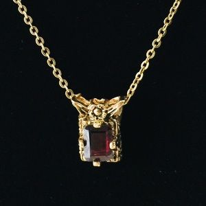 Vintage Estate Sale Red Square Pendant Necklace